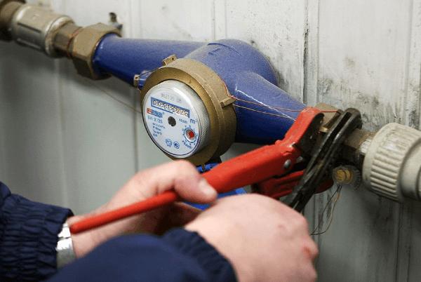 Как производится установка и замена общедомовых счетчиков воды (водомеров)